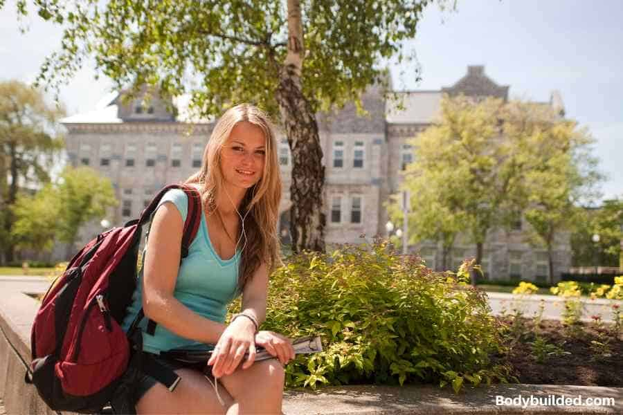 living off campus can help lose weight in college