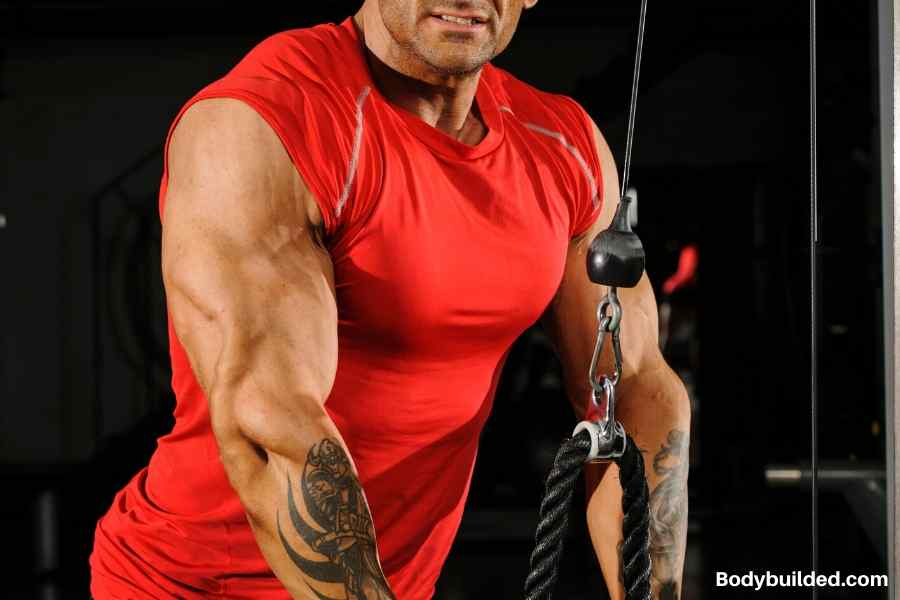 Focus on compound exercises to get ripped